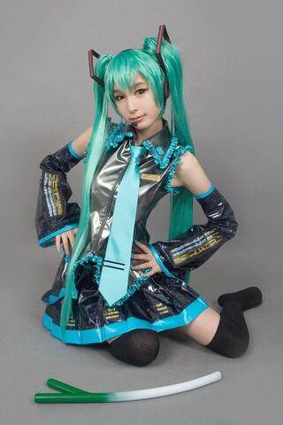 File:Ren-MikuHatsune1.jpg