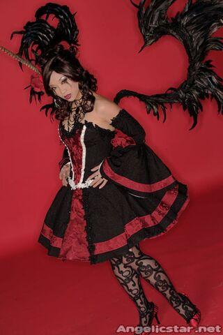 File:YayaHan-GothicPrincess-NeneThomas.jpg