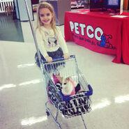 Mckenna-grace-dog-december-29-2012-1