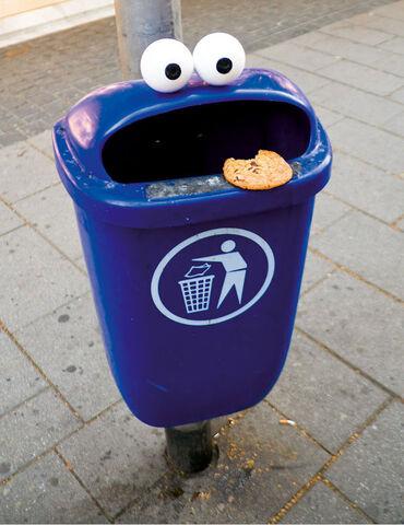 File:Cookie-monster-trash1.jpg