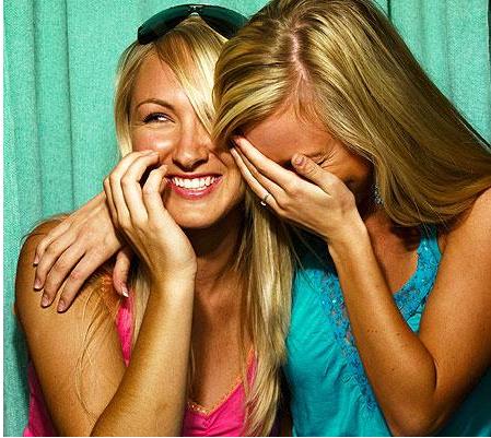 File:Laughing - 2girls.png