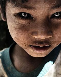 Tak8mse Black-Eyed-Kids-2
