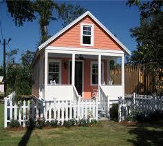 File:Little house.jpg