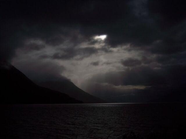 File:Darkness-725288.jpg