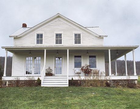 File:Exterior-farmhouse-NY-HTOURS1005-de.jpg