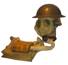 WWI Gas mask with bag