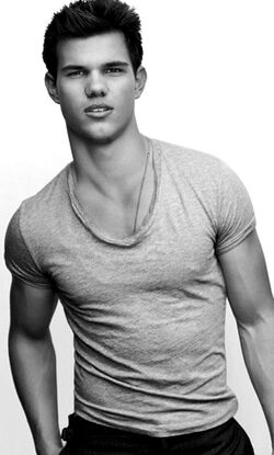 Taylor Lautner profile.jpg