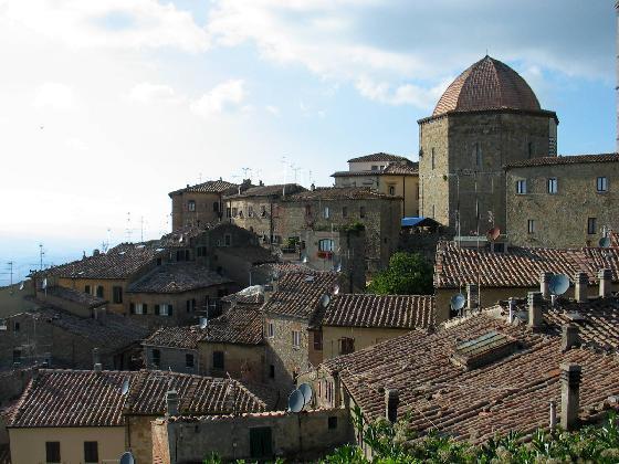 Archivo:Volterra.jpg