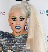 Lady Gaga resembling Holly Hopper