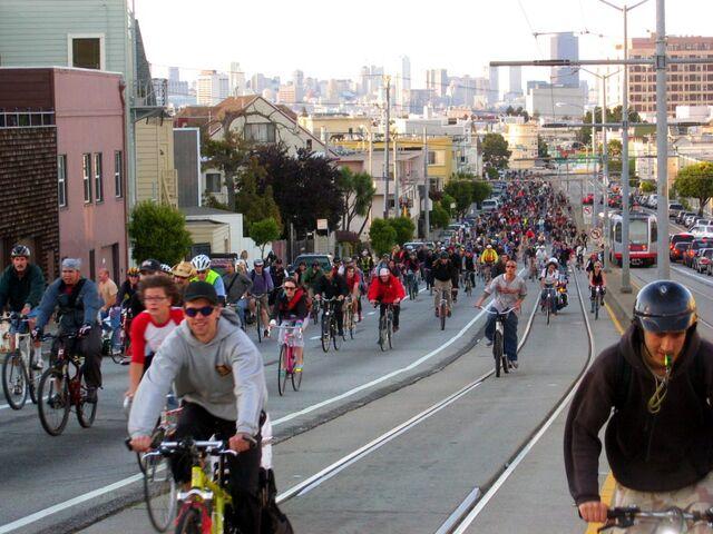 File:Critical Mass, San Francisco, April 29, 2005.jpg