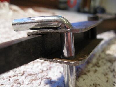 Making simple bastard string fasteners-1024x768-15
