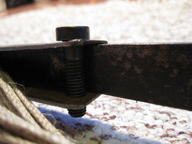 File:Making simple bastard string fasteners-1024x768-13.JPG
