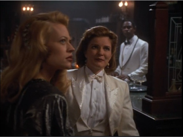 File:Seven of Nine and Janeway.jpg