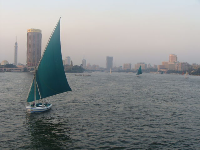 File:Nil in Cairo.JPG