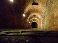 Tunnel auf der Kaiserburg-5750
