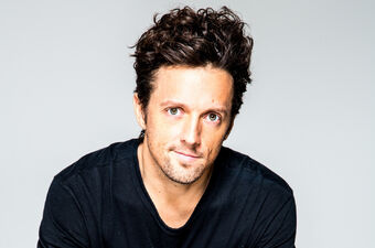 La-et-ms-review-pursued-by-youngsters-jason-mraz-goes-mellower-than-ever-on-yes-20140718