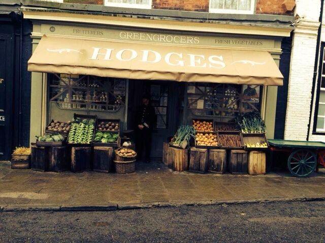 File:Hodges'Greengrocer's(Film).jpg