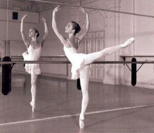 M-ballet-1itwsts