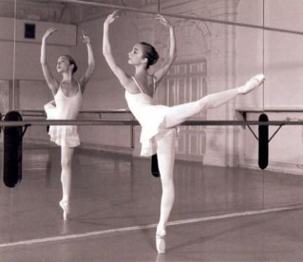 File:M-ballet-1itwsts.jpg