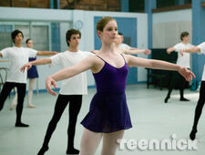 Dance-academy-behind-barres-picture-7