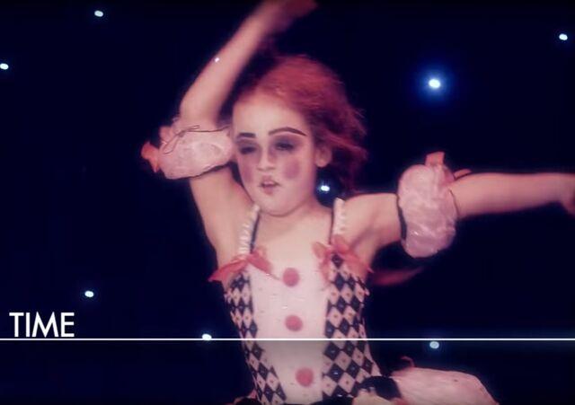 File:Dance Mums 204 solo 4.jpg