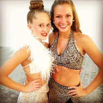 HaleyH and GiannaN pic02