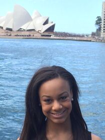 Nia that Sydney opera house or whatevs