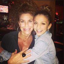 Tessa Renee Wilkinson with mom Renee 2013-08-09