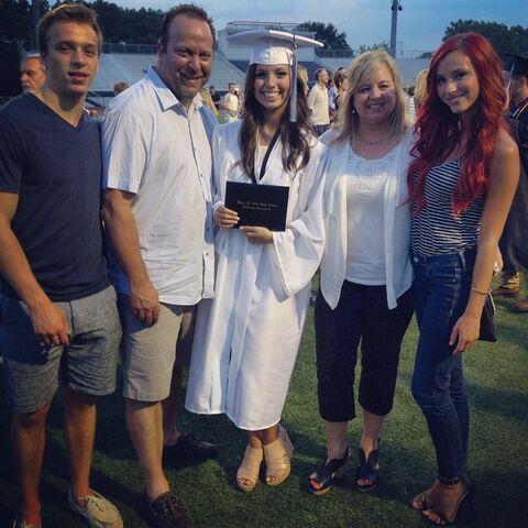 File:Payton Ackerman with family at graduation - 2015-06-11.jpg
