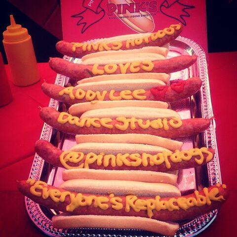 File:Pinkshotdogs message at ALDC LA grand opening 30May2015.jpg
