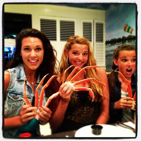 File:Charlotte Ryleigh Kendall crab 2013-08-19.jpg