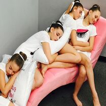 Girls snoozing and making app 18Feb2015