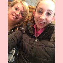 Chloe Smith with mom Liza 2015-02-11