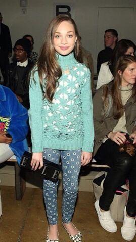 File:Maddie Elle NY fashion week 16Feb2015 A.jpg