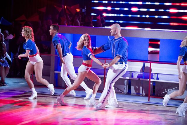 File:David and Lindsay S24 Week 10 Finale Night 1 Freestyle 4.jpg