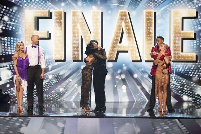 File:S24 Week 10 Finale Night 2 Elimination 2.jpg