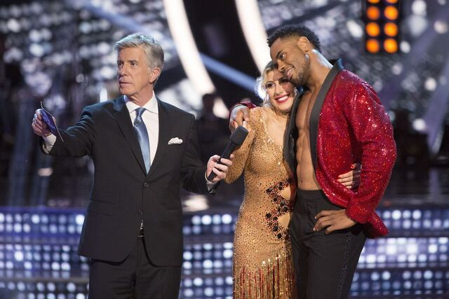 File:Rashad and Emma S24 Finale Fusion 9.jpg