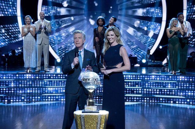 File:Tom and Erin S24 Week 10 Finale Night 1 1.jpg
