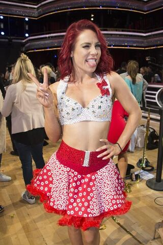 File:Sharna S24 Week 10 Finale Night 2 1.jpg