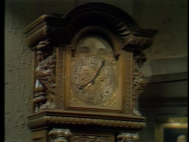File:Clock-Collinwood foyer1.jpg