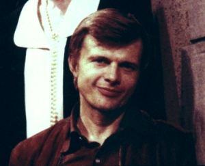 File:Willie looking adorable.jpg