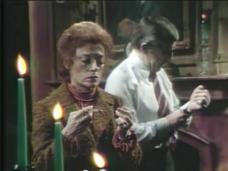 File:Sotw ch 16 julia with syringe.png