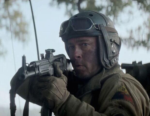 File:Wardaddy (Brad Pitt) in Fury.jpg