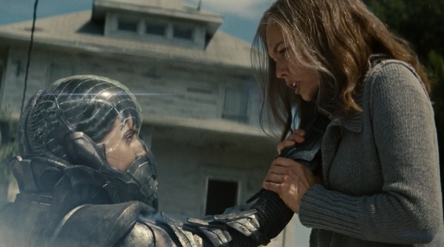 File:Faora lifts martha.png