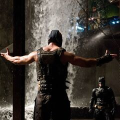 Bane confronts Batman.
