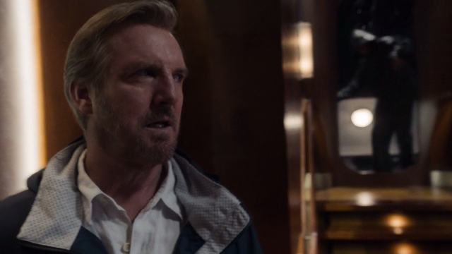 File:Robert Queen (Arrow).png
