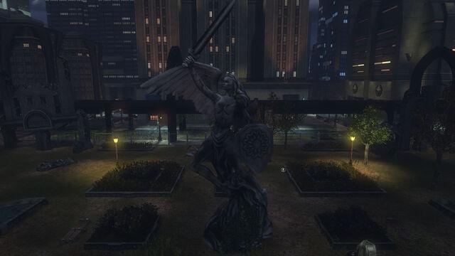 File:GothamBotanicalStatue.jpg