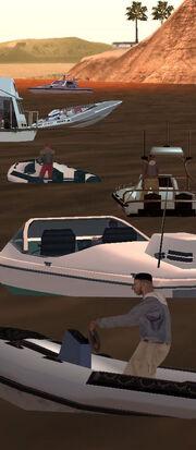Passanten in Booten