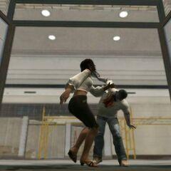 Зомби атакует Изабеллу