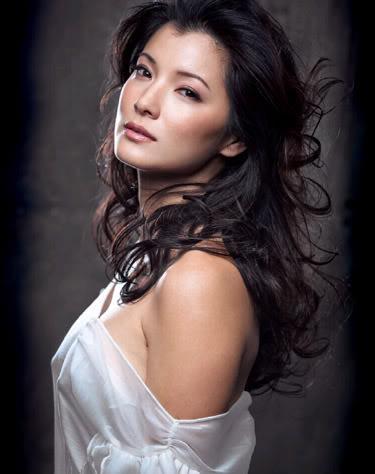 Archivo:Kelly Hu.jpg